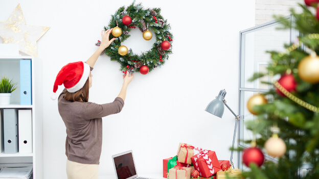 decorate your office for christmas